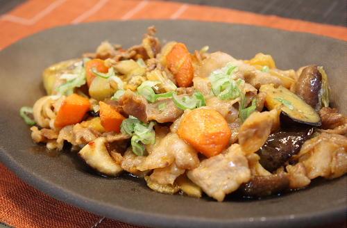 今日のキムチ料理レシピ:野菜とキムチの味噌いため