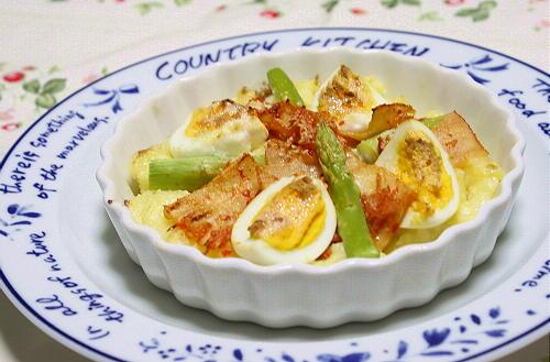 今日のキムチ料理レシピ:ゆで卵とキムチのポテトグラタン
