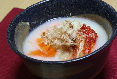 今日のキムチ料理レシピ:白みそのキムチ雑煮