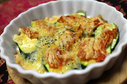 今日のキムチレシピ:ズッキーニのキムチチーズ焼き