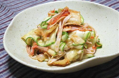 今日のキムチ料理レシピ: ズッキーニとキムチのポン酢和え